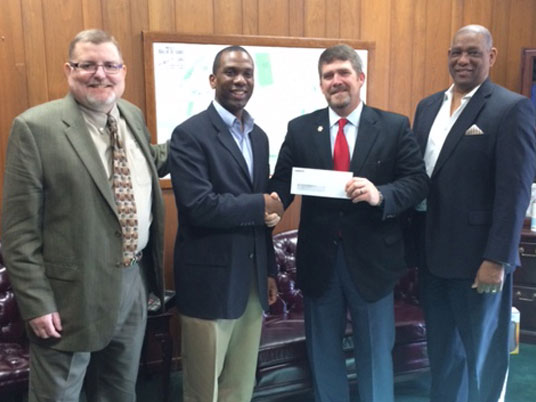 Corizon Health donates to St. Louis Eagles youth basketball club